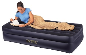 Intex Pillow Rest Raised Air Bed Mattress Twin Size guest bed air mattress ideas for small spaces, dorm room with built-in high-powered pump.
